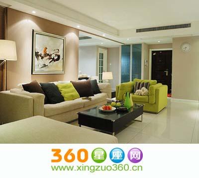 客厅是家人看电视,闲聊的主要场所,一定要注意色彩的搭配.