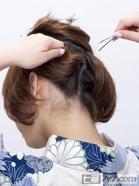 三款日本和服发型图解
