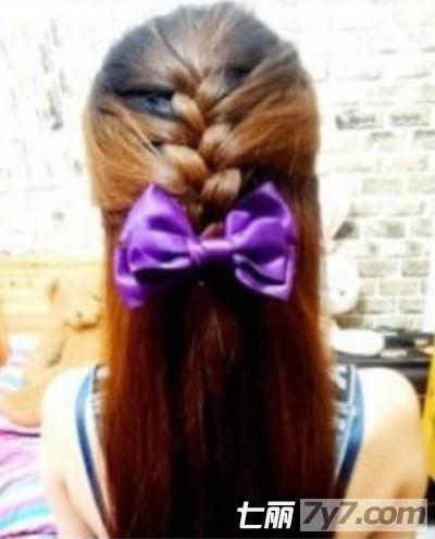 2012最新编发图解教程 教你用最基础三股辫打造两款甜美发型