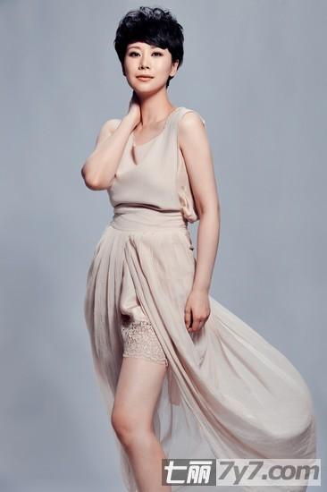 心术海清短发发型演绎时尚 减龄清新性感又可爱