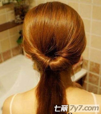 2款韩系中长发发型扎法图解 diy发型打造名媛气质