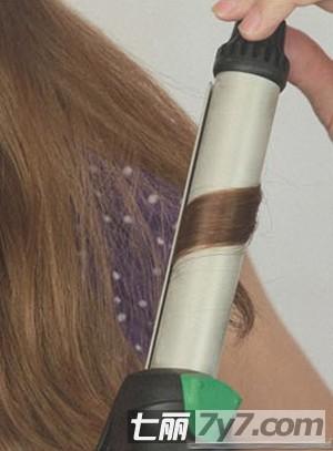 直发怎么扎头发好看 迷人侧边直发发型扎法步骤
