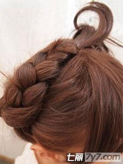 蝴蝶节编发发型图解 轻松塑造女生甜美发型