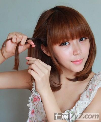 图解两款短发编发教程 diy简单时尚萝莉女生发型