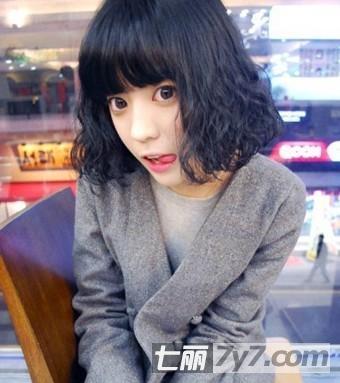 适合大脸女生的发型 清纯可爱的减龄瘦脸短发