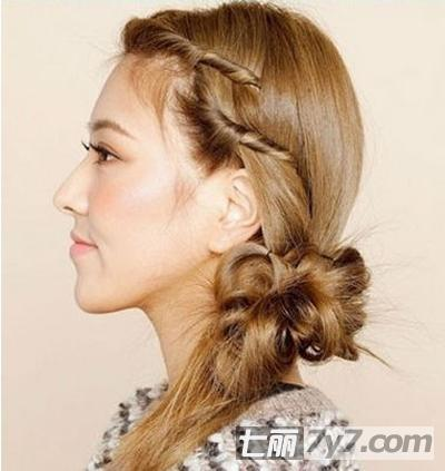 直头发扎法步骤 塑造可爱侧面蓬松发型