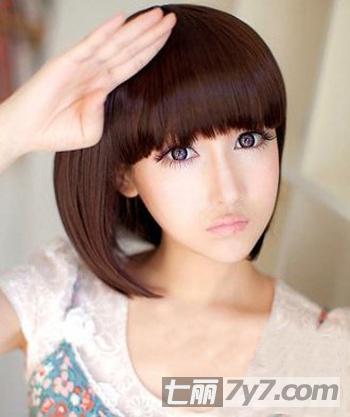 甜美减龄瘦脸短发 夏日清新少女灵动发型