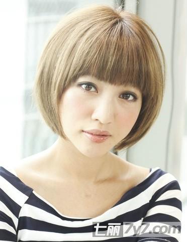 2018适合圆脸减龄显瘦短发_胖嘟嘟圆脸女生发型图片图片