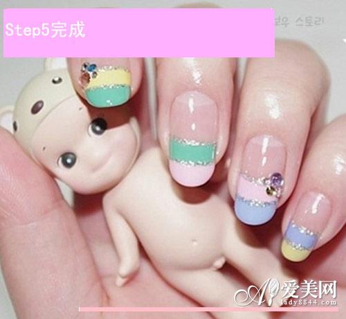 新年双拼糖果色指甲油 拼出甜美日本可爱美甲