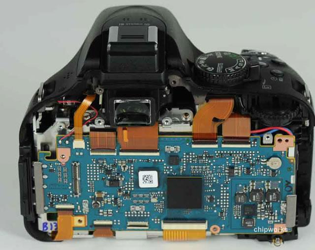 尼康d5200大拆解,首次采用东芝感光元件