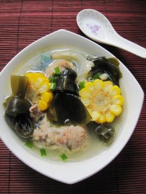 肉骨头海带玉米汤