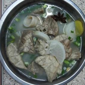 萝卜猪肺汤