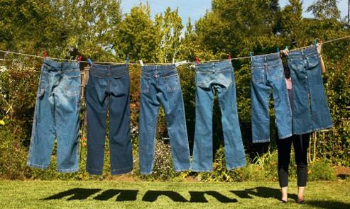 好的牛仔褲采用靛藍染料