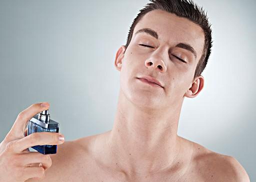 男士香水塗在哪裡更有味兒