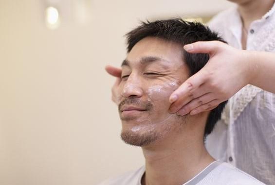 老爺們洗臉最容易犯哪些錯誤